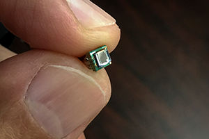 Miniaturized hyperspectral sensors